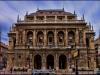 Opernhaus mit abgedrehten Farben